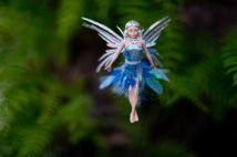 b_214_142_16777215_00_images_productimages_eva-lake-fairy.jpg